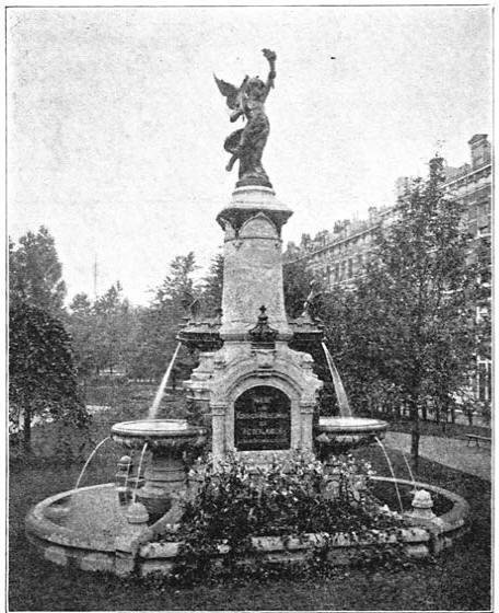 Fontein op het Burgemeester Hoffmannplein op het Noorder-eiland. (ca 1905)