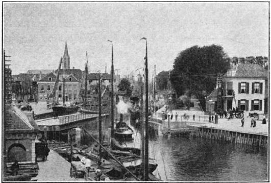 Gezicht van de draaibrug te Vlaardingen. (ca. 1905)