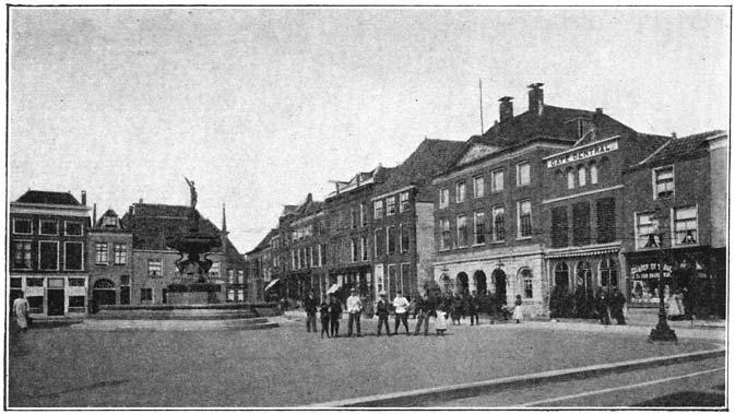 Groote markt te Gorinchem.