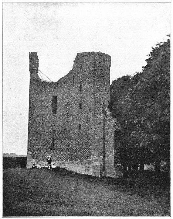 Ruïne van den rechterhoektoren van het oude kasteel te-Merwe.
