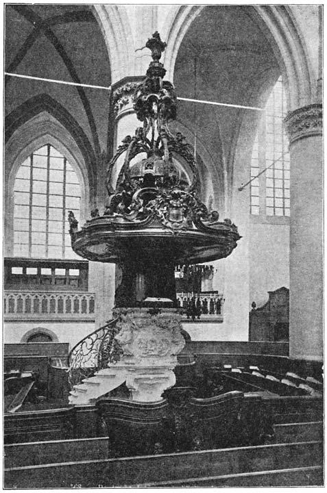 Preekstoel in de Groote Kerk te Dordrecht.