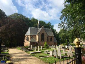 Kerk(hof)je van Lage Vuursche, waar Friso zijn laatste rustplaats vond. (c) Martin Lamboo 2016