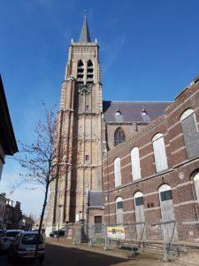 OudGastel - Laurentiuskerk, met 15de eeuwse gotische toren. Martin Lamboo